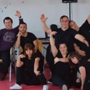 Componentes del taller de Artes Escénicas del Centro de Inclusión y Oportunidades Padre Zurita. Foto: Grupo AMÁS.