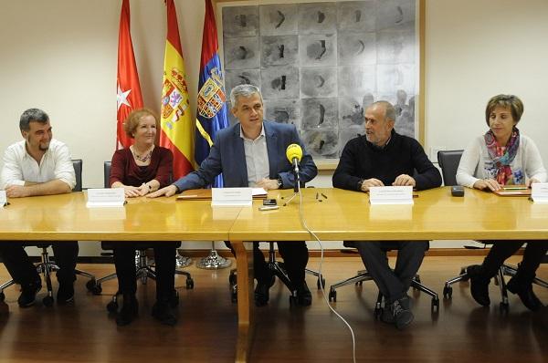 Presentación de los cuatro convenios de colaboración alcanzados entre el Ayuntamiento de Móstoles y Grupo AMÁS.