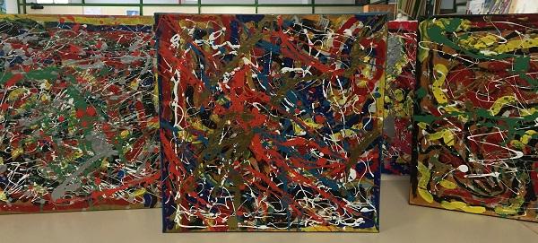 Cuadros realizados por artistas de Grupo AMÁS. Foto: Grupo AMÁS.