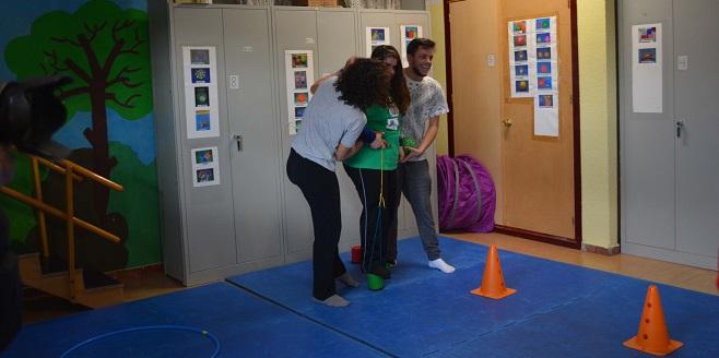Actividad extra escolar de psicomotricidad en el Colegio Miguel de Unamuno. Foto: Grupo AMÁS.