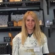 Cristina Villar, trabajadora de la Concept Store Másymenos. Foto: Grupo AMÁS.