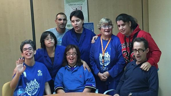 """Integrantes del programa """"Gestionando mi tiempo libre"""" del Centro Ocupacional Regordoño. Foto: Grupo AMÁS."""