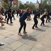 """Flashmob """"Mueve tu salud"""" de AMÁS Escena durante la VIII Semana de la Salud de Móstoles. Foto: Grupo AMÁS."""