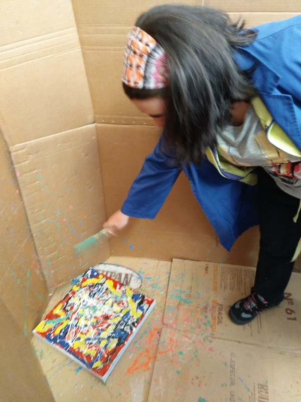 Proceso de salpicado de pintura. Foto: Grupo AMÁS.