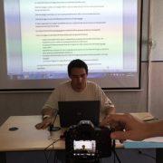 Alumno de Info Fácil durante una práctica del curso. Foto: Grupo AMÁS.