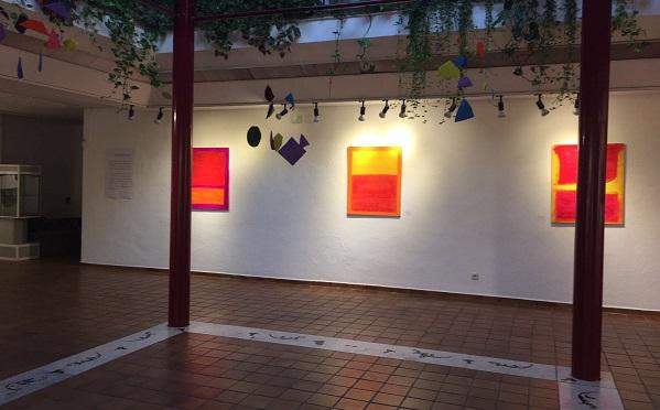 """Exposición """"Un mundo de color"""". Foto: Grupo AMÁS."""