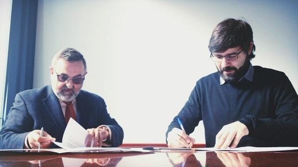 Javier Jiménez, CEO y co-fundador de Aptent Soluciones, y Manuel Galiano, secretario de organización de la Fundación AMÁS Social.