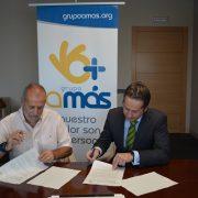 Carlos Pérez, Presidente de Grupo AMÁS y José Manuel Gómez, Dtor Bankia zona de Leganés. Foto: Grupo AMÁS.