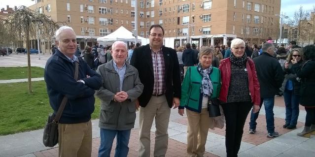 Santiago Llorente, alcalde de Leganés visita el stand de Grupo AMÁS. Foto: Grupo AMÁS.