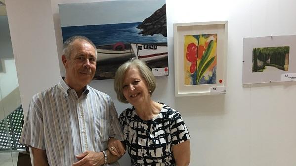 Ventura Calso y Esperanza Martín Crespo, organizadora de la exposición. Foto: Grupo AMÁS