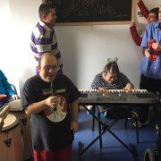 Clase de formación musical en AMÁS Escena. Foto: Grupo AMÁS.