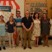 Virginia Jiménez, Concejala de Servicios Sociales del PSOE en Leganés y Miguel Ángel Recuenco, portavoz del PP, visitan el colegio Alfonso X el Sabio. Foto: Grupo AMÁS.