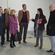 Miembros del Ayuntamiento de Móstoles visitando la nave de Gestión de Residuos eléctricos y electrónicos de Grupo AMÁS. Foto: Grupo AMÁS.