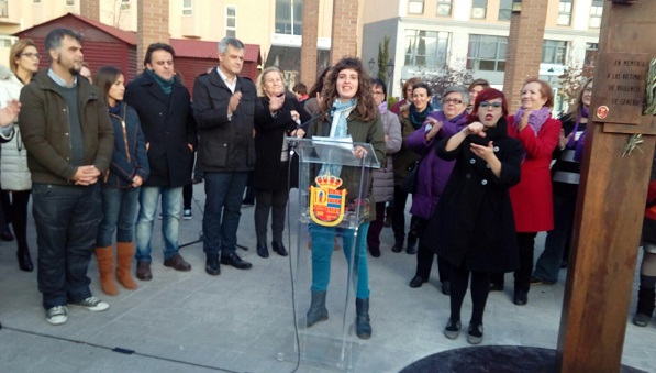 Intervención de las mujeres de Grupo AMÁS en un acto organizado por el Ayuntamiento de Móstoles. Foto: Grupo AMÁS.