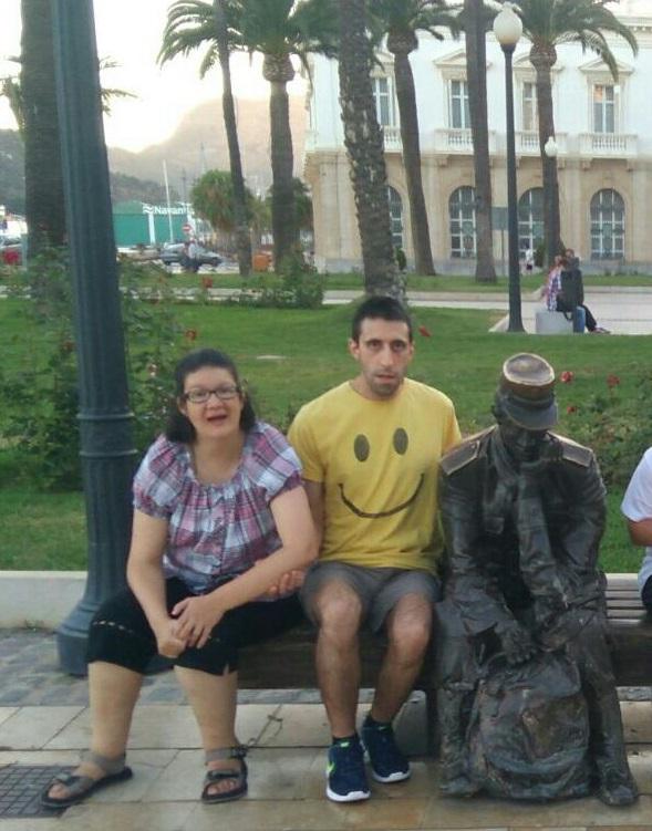 Alberto Jiménez disfrutando de vacaciones con el Servicio de Ocio de Grupo AMÁS.