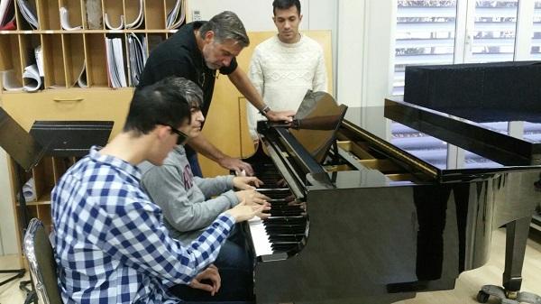 Emilio Aragón con Alejandro Peralvo. Foto: ORCAM