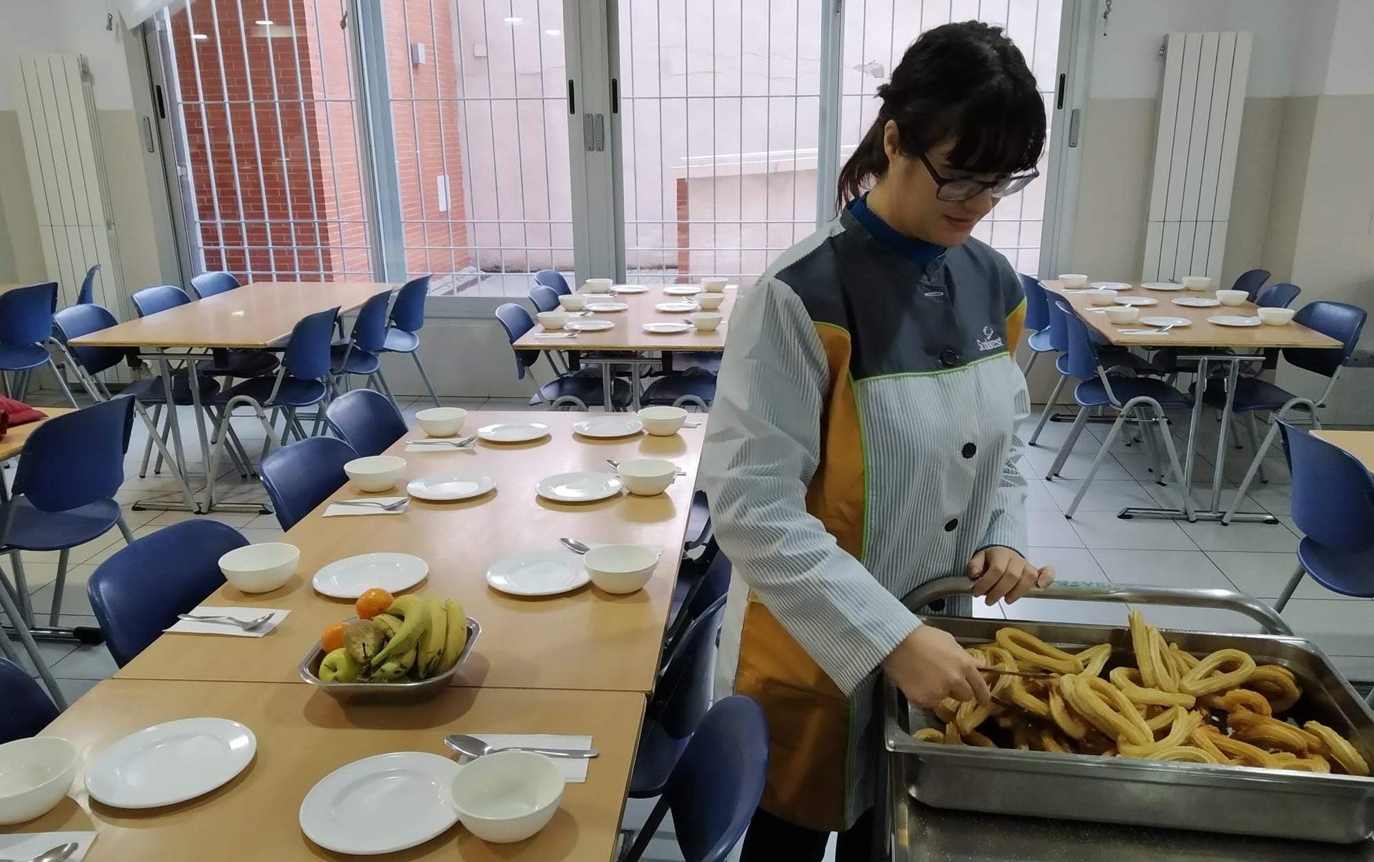 Ana Isabel realizando prácticas en el Colegio Andel. Foto: Grupo AMÁS