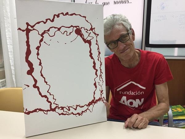 """Antonio Serrano, artista de la exposición """"Yo también"""". Foto: Grupo AMÁS."""