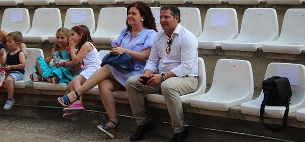 La concejala Vrginia Jiménez y Jorge Javier Pérez en el concierto de AMÁS Miusic. Foto: Grupo AMÁS.