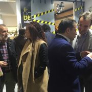 Carlos Pérez, Presidente de Grupo AMÁS, con diversos invitados al Primer Aniversario de la Concep Store Másymenos. Foto: Grupo AMÁS.