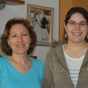 Rocío Martínez y su madre Beatriz Hernández, corredoras de la Carrera Solidaria. Foto: Grupo AMÁS.