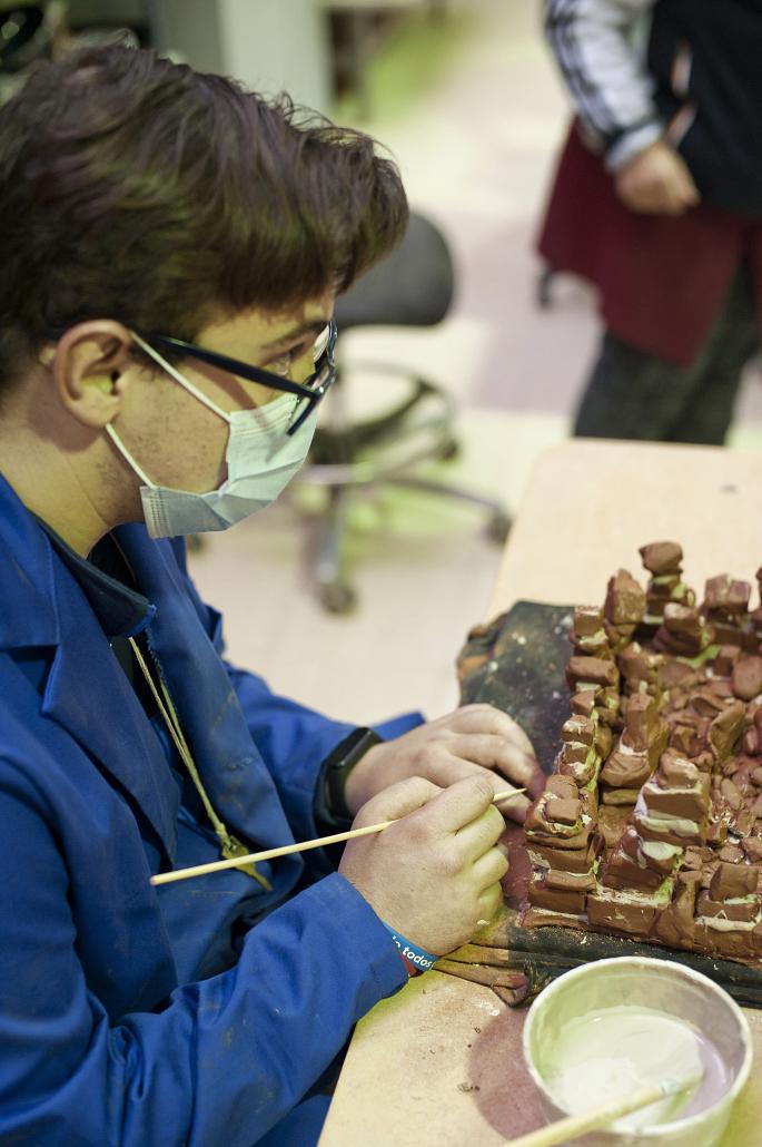 Jesús Barroso trabajando en una de las obras.