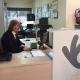 Eva de la Guía en su puesto de trabajo. Foto: Grupo AMÁS