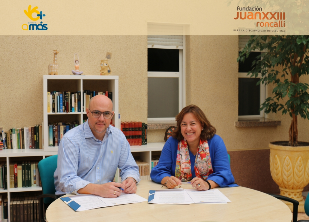 """Firma del convenio """"MayorES+"""" entre Fundación Juan XXIII y Grupo AMÁS"""