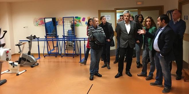 Momento de la visita en las instalaciones del Centro Residencial Coimbra. Foto: Grupo AMÁS.