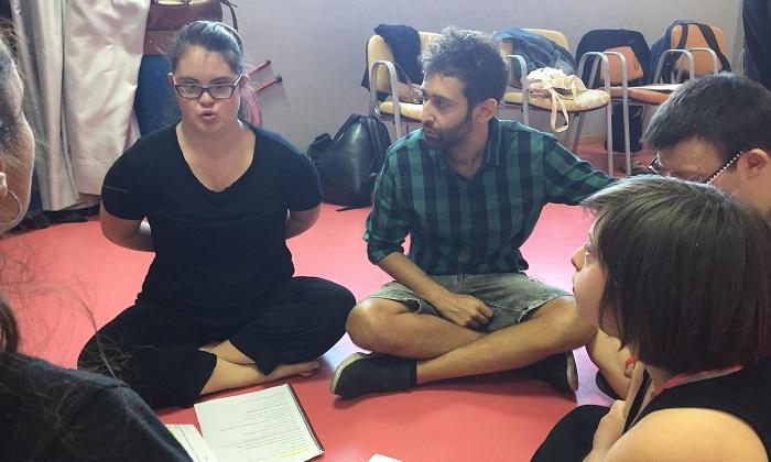 """Jesús Sanz-Sebastián, Director de """"Peter Pan. Un musical muy especial"""" en los ensayos. Foto: Grupo AMÁS."""