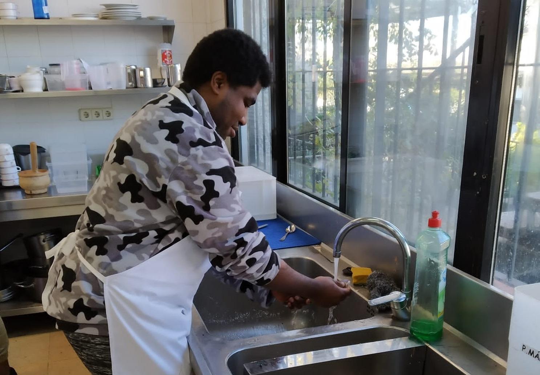 Santi Male en el Proyecto Gastronomix. Foto: Grupo AMÁS
