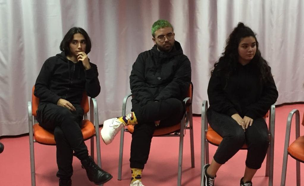 """De izquierda a derecha: Marcos Martínez, Javier Estévez y Julia Rivera, actor@s de """"Gandula"""". Foto: Grupo AMÁS"""