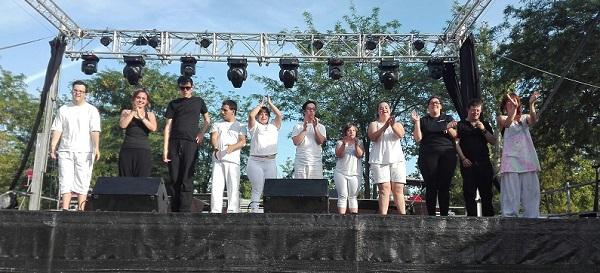 Actuación de AMÁS Escena. Foto: Grupo AMÁS.