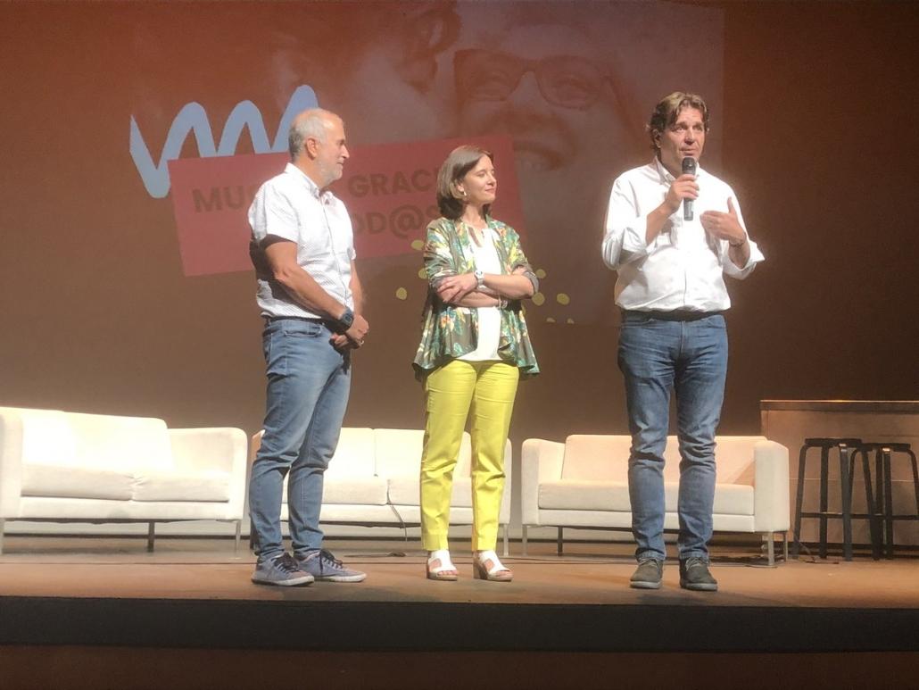 De izquierda a derecha: Carlos Pérez, Presidente de Grupo AMÁS, Raquel López, concejala de Bienestar Social y Francisco Javier Ayala, alcalde de Fuenlabrada.