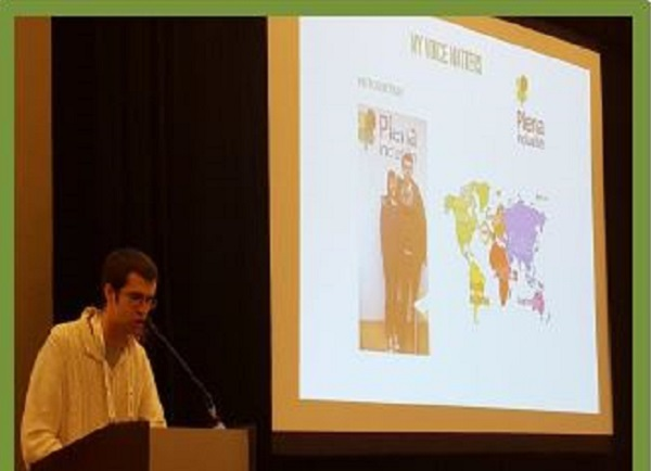 "Daniel Fernández en el congreso internacional ""Shaping the future"" en Orlando (EEUU)."