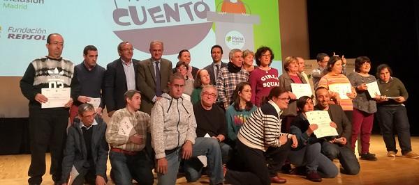 """Entrega de diplomas a los participantes de la Jornada """"Yo también cuento"""". Foto: Plena Inclusión Madrid."""