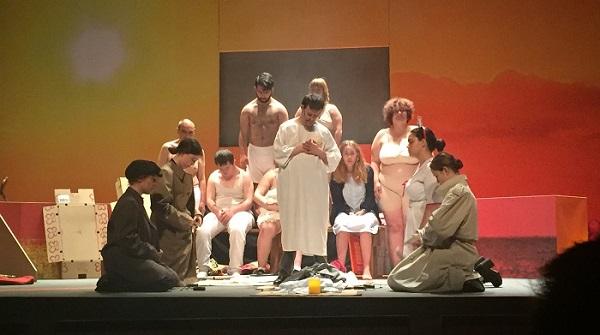 """Representación de """"Gandula"""" en el Teatro Josep Carreras de Fuenlabrada. Foto: Grupo AMÁS."""