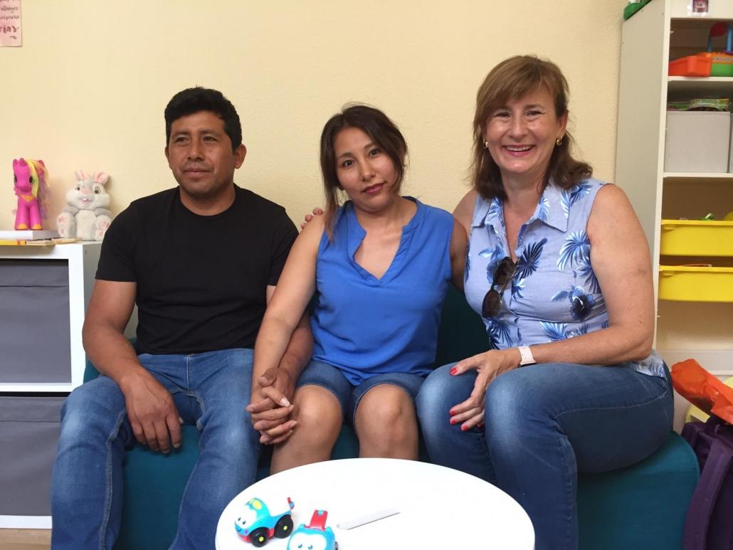Nuria Marín, Irma Ttito y Elmer Arenas. Foto: Grupo AMÁS