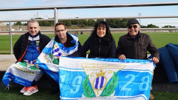 Familiares de los jugadores del C.D Leganés Genuine. Foto: Grupo AMÁS.