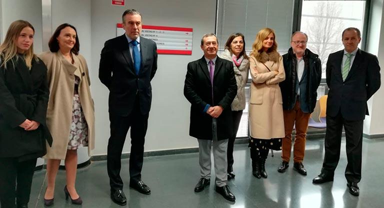 Visita del consejero de Justicia, Interior y Víctimas de la Comunidad de Madrid, Enrique López al edificio de Juzgados en Fuenlabrada.