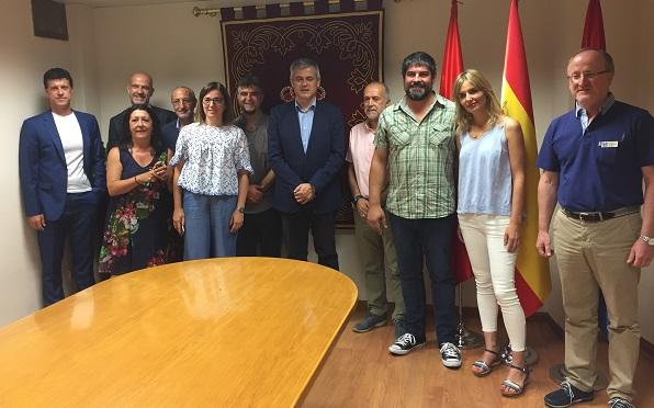 Firma del convenios sociales del Ayuntamiento de Móstoles con: Grupo AMÁS, RAIS Fundación, Punto Omega y Cruz Roja-Móstoles, Foto: Grupo AMÁS