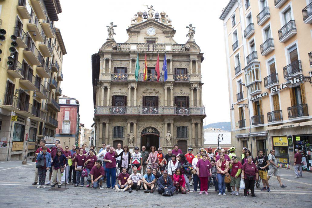 Salida calurosa desde el Ayuntamiento de Pamplona