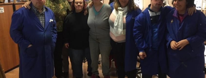 """Grupo de artistas con discapacidad intelectual en """"Spacio Pinos"""" de Grupo AMÁS. Foto: Grupo AMÁS"""