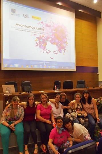 El grupo de mujeres de Grupo AMÁS en un acto sobre igualdad. Foto: Grupo AMÁS.