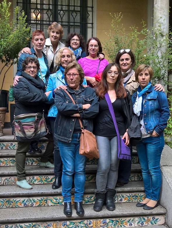 Grupo de familias en la última salida de ¿Qué hay de lo tuyo?. Foto: Grupo AMÁS.