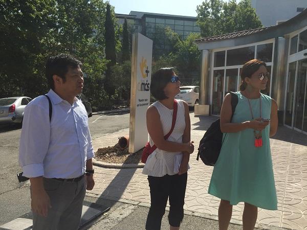 Los profesores japoneses durante su visita a la Residencia y Hogares Vivienda Los Pinos. Foto: Grupo AMÁS.