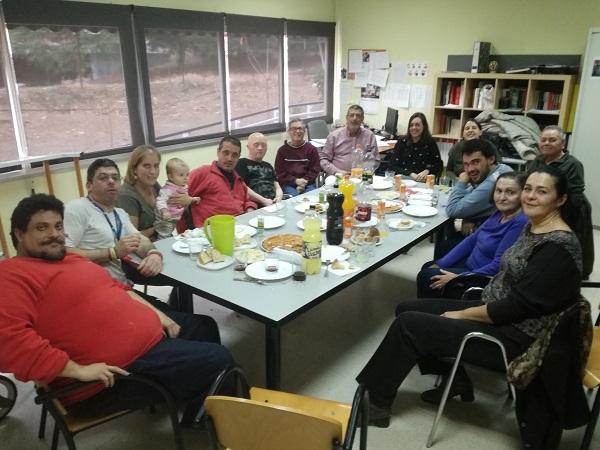 Reunión de madrinas y padrinos de los micro huertos urbanos. Foto: Grupo AMÁS.