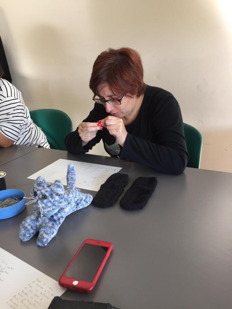 Asistente al Taller Creativo Textil. Foto: Grupo AMÁS