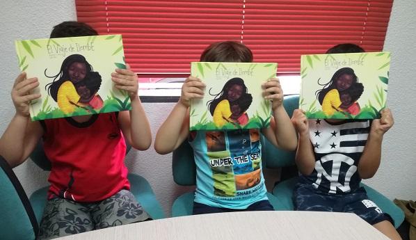 """Validación de """"El viaje de Ilombé"""" por niños de Atención Temprana de Grupo AMÁS. Foto: Grupo AMÁS."""