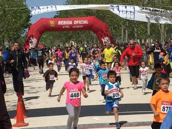 """Los """"chupetines"""" participando en la VIII Carrera Solidaria. Foto: Grupo AMÁS."""
